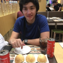 Someone wants to eat the pork buns but I'm still taking pics haha. :*